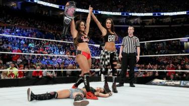 wwe-survivor-series-nikki-bella-divas-champion